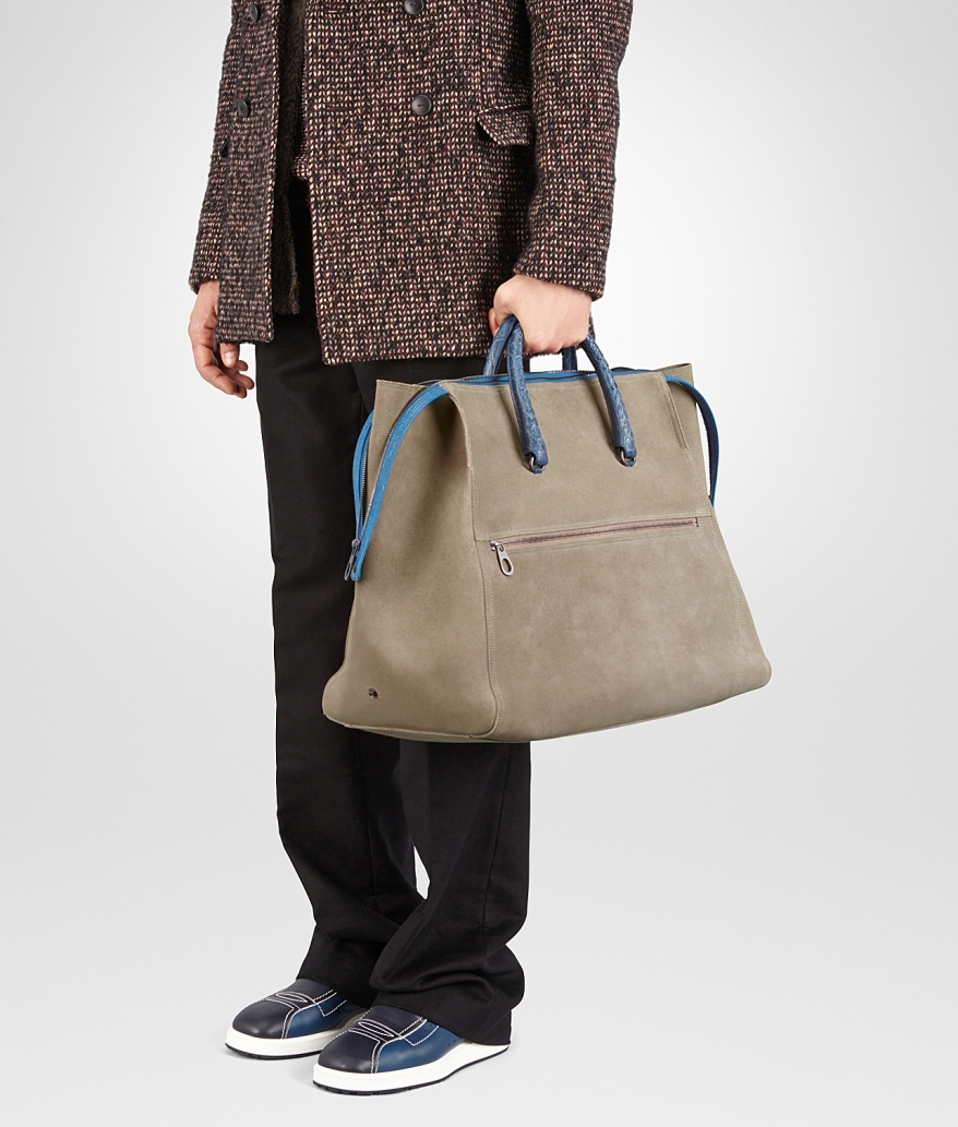 duffel-bag-in-ash-suede-caiman-details-in-pacific-5