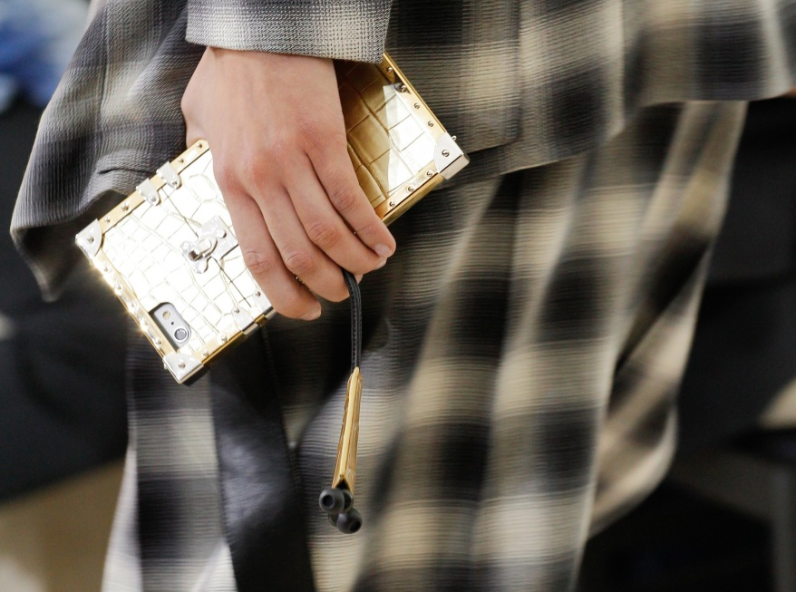 lv-iphone-cases-4